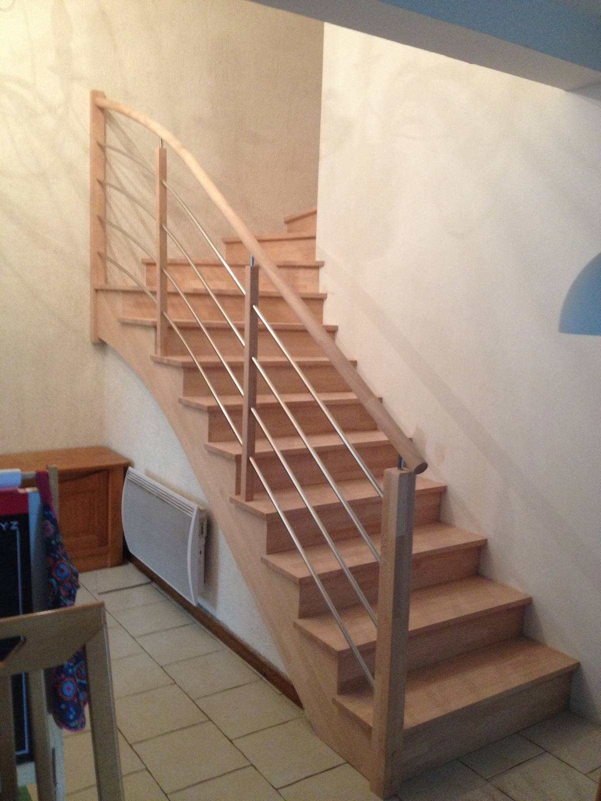 Habillage escalier beton en bois simple maytop tiptop for Habillage escalier beton interieur